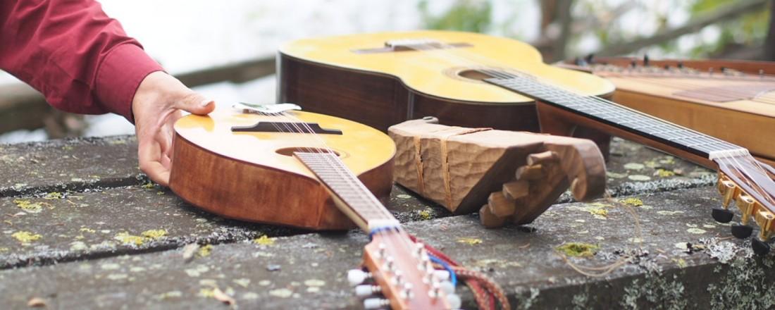 8k mandoliini, museokopio 5-kielinen, oma klassinen kitara